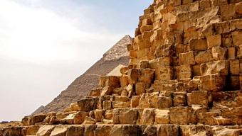 """Els dilluns de la Societat (27/04/2020) – Videoxerrada: """"Observacions i evidències en les piràmides de Giza"""""""