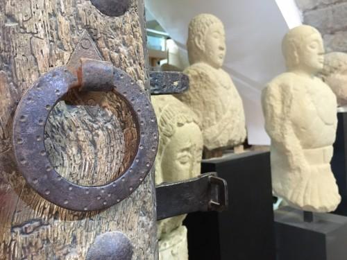 Entreda a Cal Vicari, de la Fundació Privada Catalana per a l'Arqueologia Ibèrica